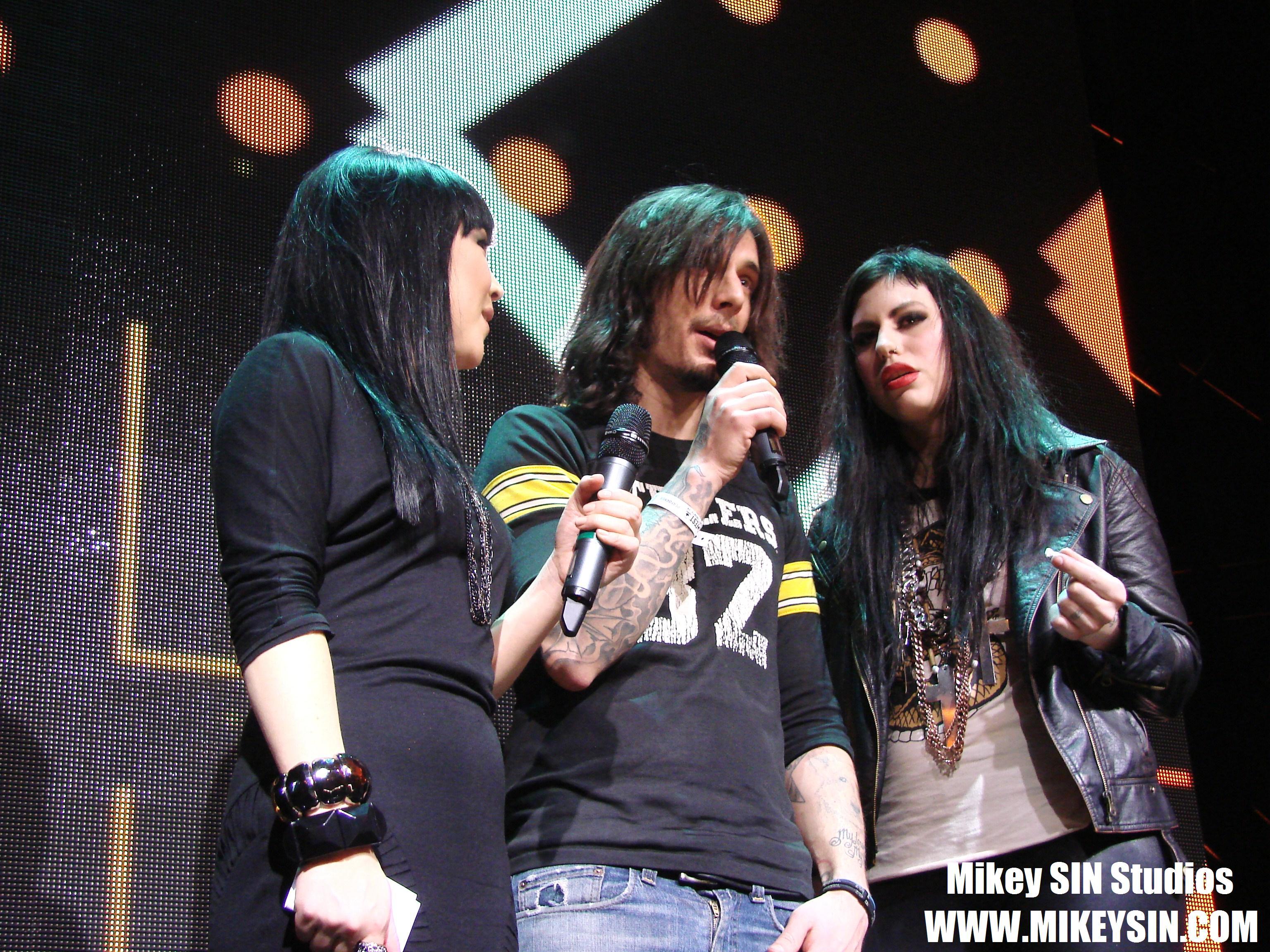 Enter The Blurrr – CANADIAN MUSIC FEST WEEK 2011 – FRIDAE TV