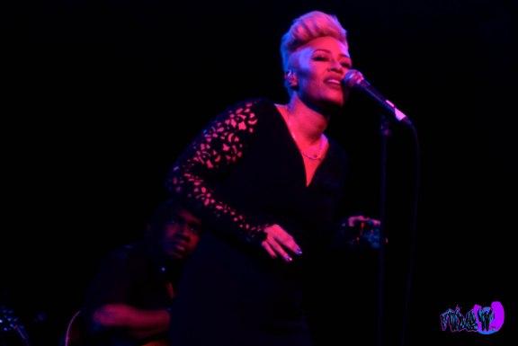 EMELI SANDE LIVE @ THE KOOL HAUS 2012