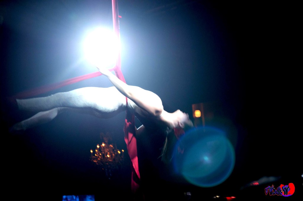 PATRIZIA DANCER LIVE @ THE VIRGIN MOBILE MOD CLUB