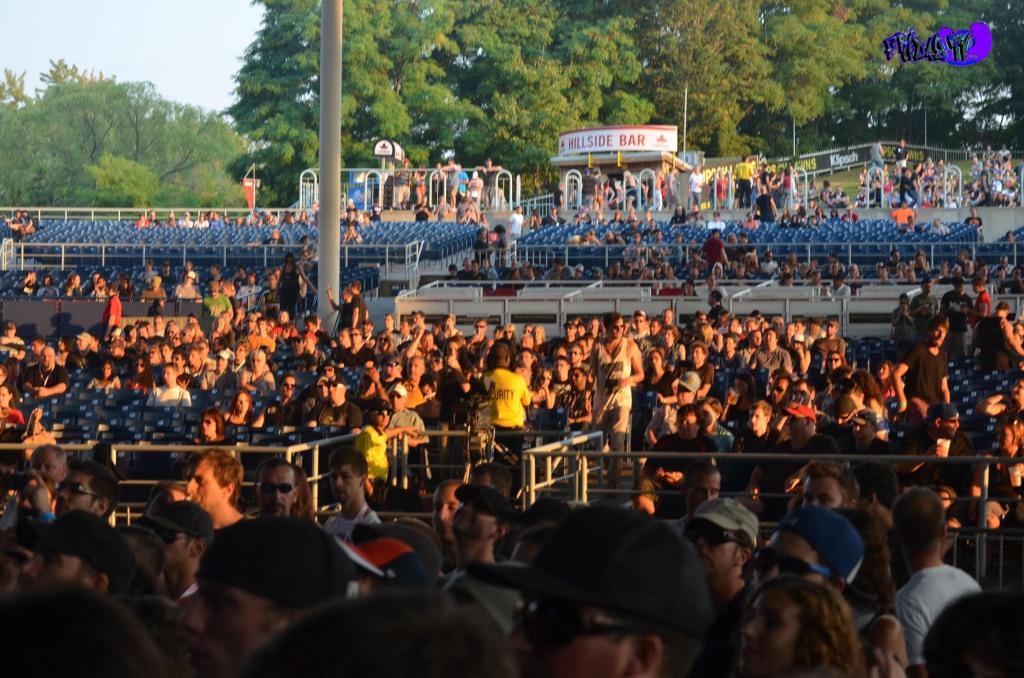 CROWD @ ROCKSTAR UPROAR FEST TORONTO 2013