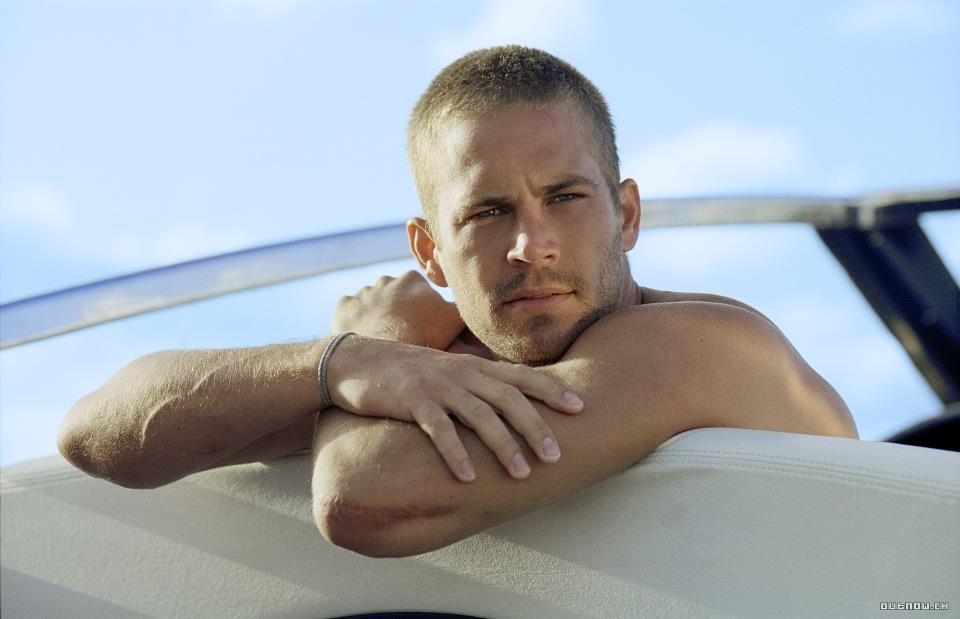 Paul Walker on set of Into The Blue