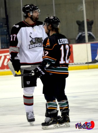 What a Height differece! BRAMPTON BEAST VS QUAD CITY MALLARDS -