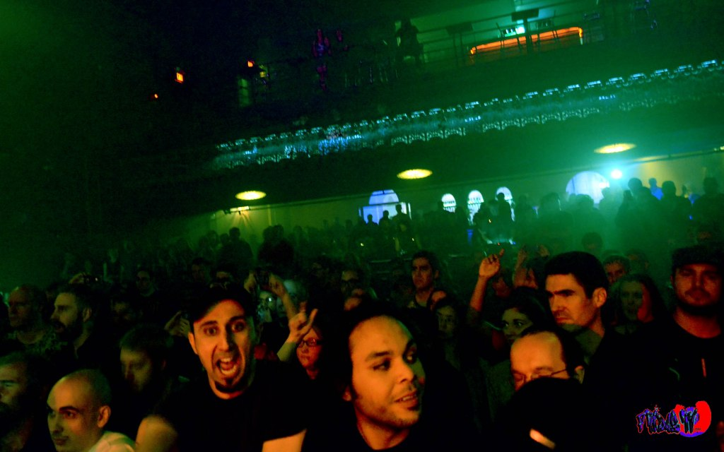 CROWD @ THE OPERA HOUSE MONDAY SEPT 28TH 2014